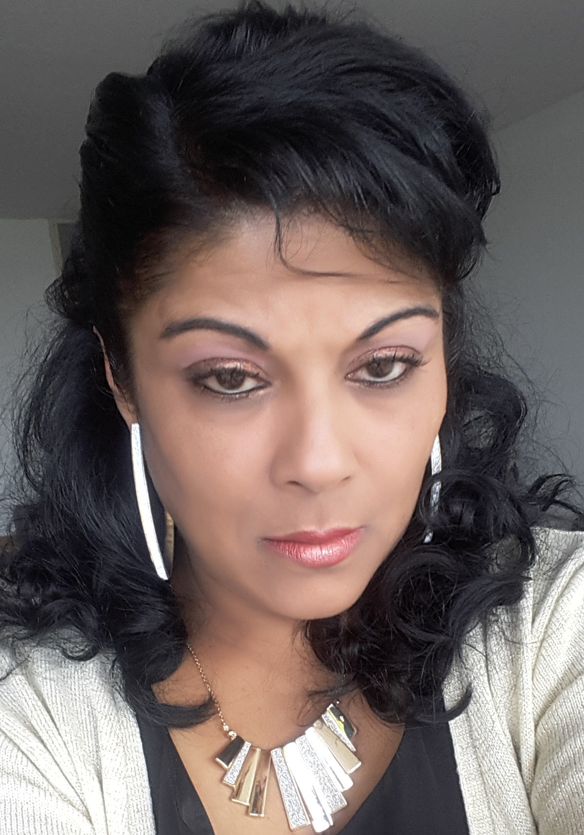 Medium Bellen Den Haag: Chaya Angel